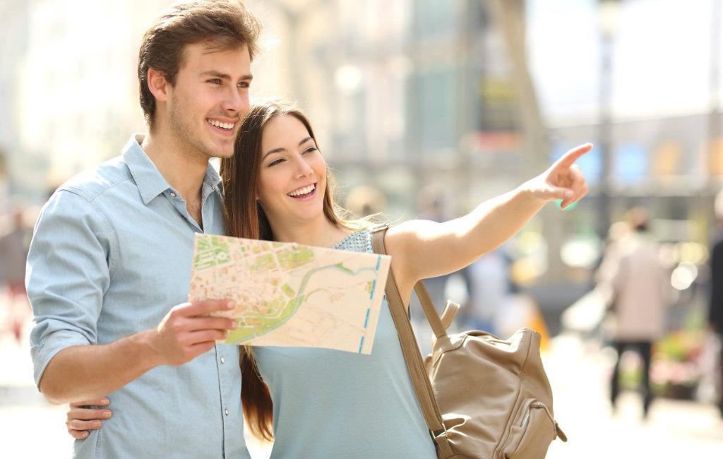 Nederlandse En Belgische Toeristen In Spanje