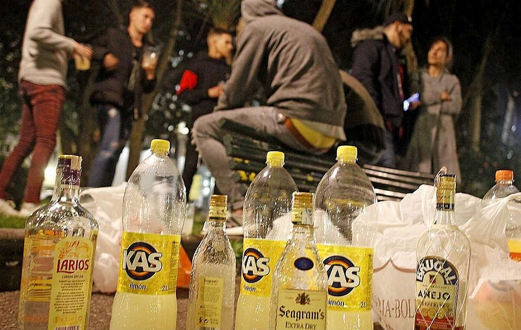 Wat is een botellón in Spanje