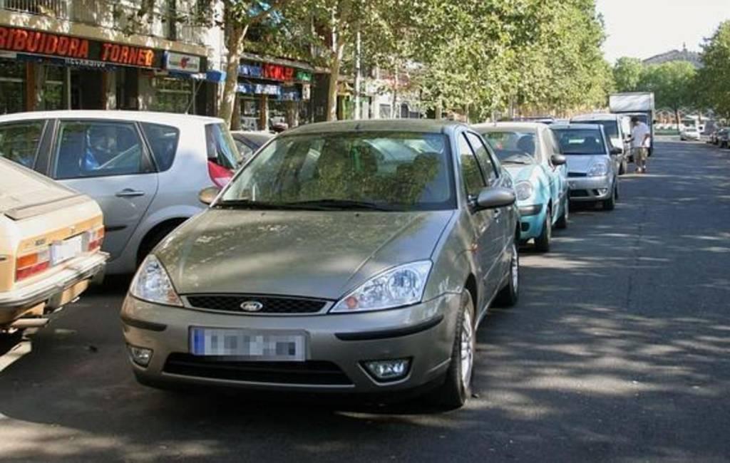 Dubbel parkeren: regels en boetes in Spanje